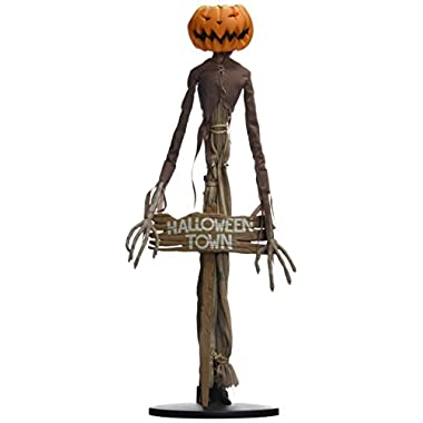 Diamond Select Toys The Nightmare Before Christmas: Pumpkin King Jack Coffin Doll