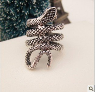 TM GigaMax Personality Fashion Silver Punk Gothic Snake Ring TA Rings Charms