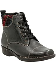 CLARKS Womens Whistle BEA Boots