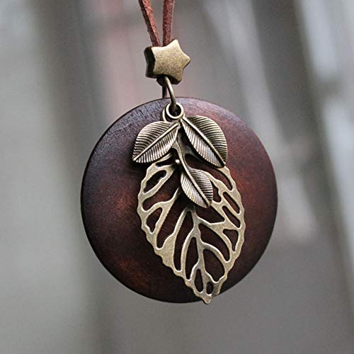 Necklace for Men Vintage Leaf Woman Statement Necklaces Fashion Jewelry Wooden Pendant Necklace For Women Girls Long Necklace Sweater Chain