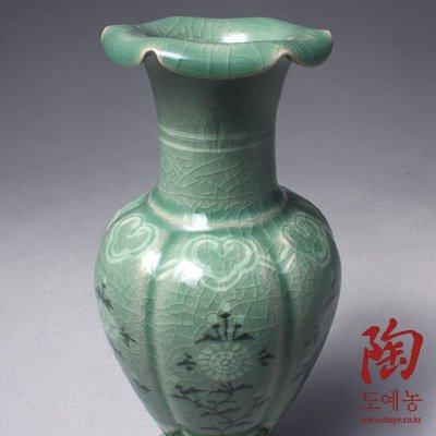 Korean Celadon Glaze Peony Flower Inlay Design Green Decorative Porcelain Ceramic Pottery Home