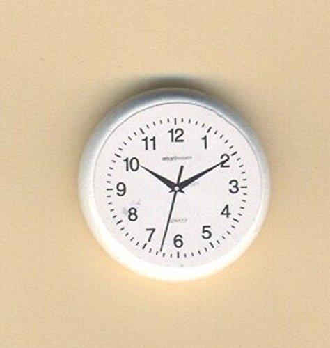 (Dollhouse Miniature 1:12 Scale White Wall Clock #T8452)