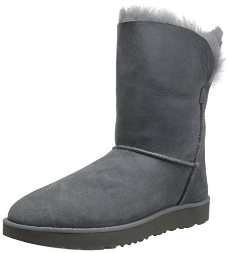 Picture of UGG Women's Classic Cuff Short Winter Boot
