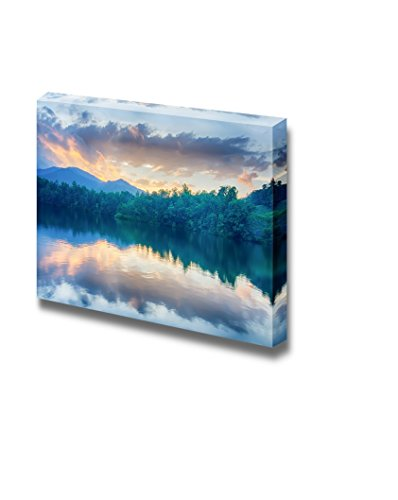 Beautiful Scenery Landscape Sunset at Lake Santeetlah in Great Smoky Mountains Wall Decor ation
