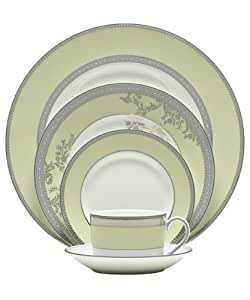Wedgwood Vera Wang Vera Lace Bouquet Fern Dinner Plate by Wedgwood