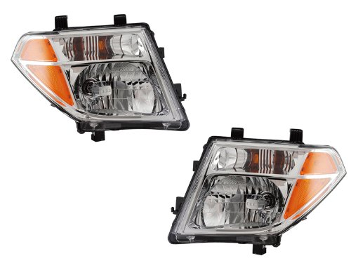 Nissan Frontier/Pathfinder Headlight Headlamp Driver/Passenger Pair New