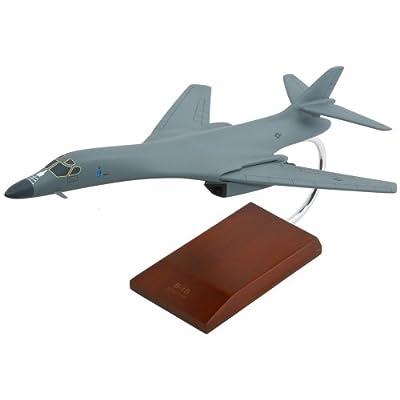 B-1B Lancer - 1/100 scale model