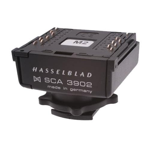 Hasselblad SCA-3902 Dedicated TTL Flash Adapter for the H1 645 System. ()