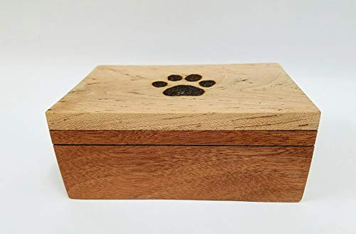 Bracelets Wooden Burning (Dog Print Burned into the top of this great looking Mahogany and Maple Top Box. Magnets secure the top as well as a chain. Great Gift Idea !)