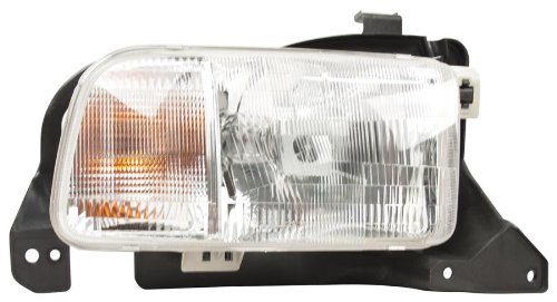 (OE Replacement Chevrolet Tracker Passenger Side Headlight Lens/Housing (Partslink Number GM2519140))