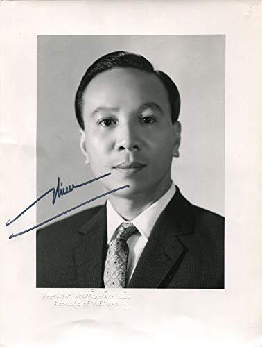 (PRESIDENT OF SOUTH VIETNAM Nguyen Van Thieu autograph, signed vintage)