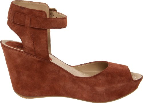 853cd4d897 Kenneth Cole Reaction Women's Sole My Heart Wedge Sandal, Sienna Suede, 9.5  M US: Buy Online at Low Prices in India - Amazon.in