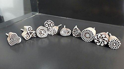 CraftVatika Set Of 10 White Floral Handblocked Designed Wooden Cupboard Cabinet Door Knobs Drawer Pulls by CraftVatika