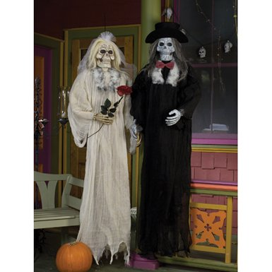 Scary Skull Bride and Groom Halloween Porch Decoration (Scary Outdoor Halloween Decorations)