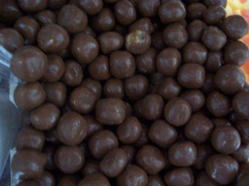 Sugar Free Raisins (Sugar Free Chocolate Covered Raisins (Chocolate Is Sugar Free, Raisin Contains Natural Sugar), 8 Oz Bag by Candy Zone)