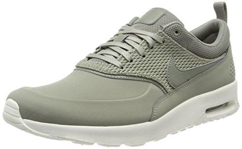 Nike Air Max Thea Premium Leather, Scarpe da Ginnastica Basse Donna Verde (Metallic Platinum/Pure Platinum)