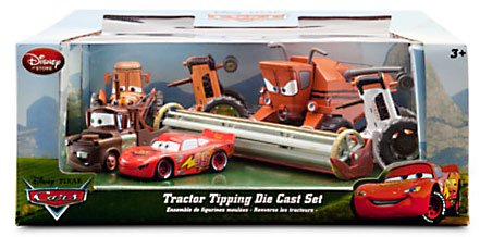 Disney Store: Disney Cars Tractor Tipping set with Frank, 3 Tractors, McQueen and Mater! 1:48 scale!!
