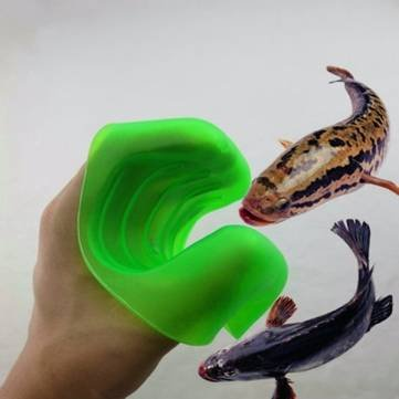 Soft Anti-Scratch Fish Gloves Fishing Tackle Catch Fish Protector