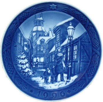 (Royal Copenhagen Annual Hand Decorated Christmas Plate 1996)