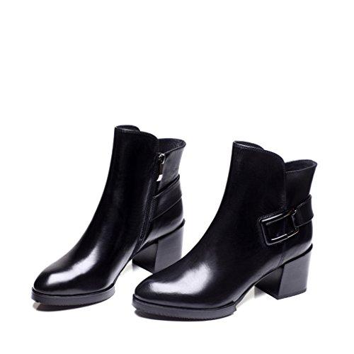 Mme tendance automne en Europe et en Amérique avec les bottes bouche profonde avec épais avec pointes noires bouton de ceinture en cuir chaussures chaussures à la main