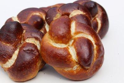 Best pretzel buns list