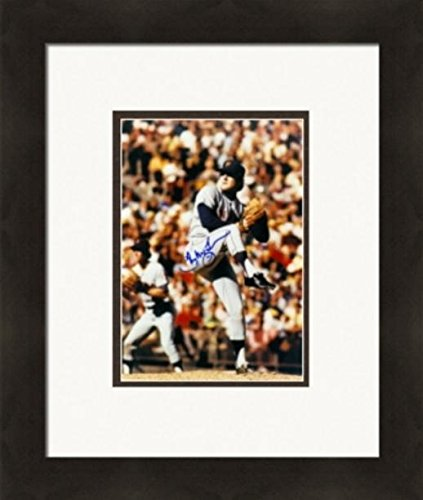 Autograph 223921 New York Mets Cf Matted & Framed Tug Mcgraw Autographed 8 x 10 in. Photo
