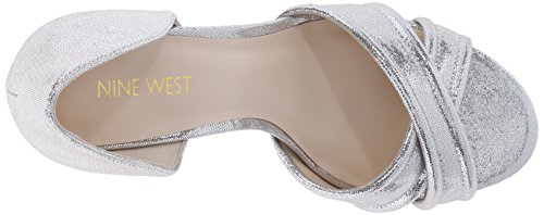Bomba de Nine West Fortunata Vestido metálico Light Silver