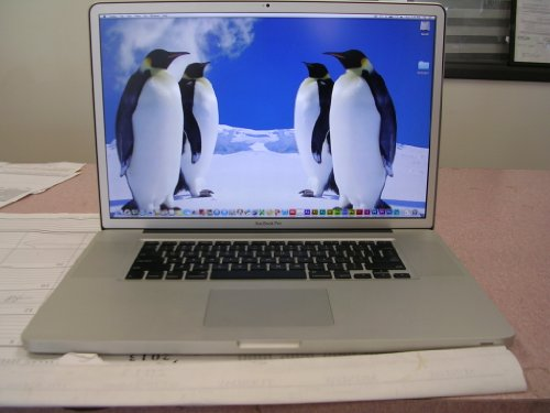 Apple MacBook Pro MC226LL/A 17' 2.8GHz, 4GB SDRAM - 2X2GB, 500GB Serial ATA Drive @ 5400 rpm