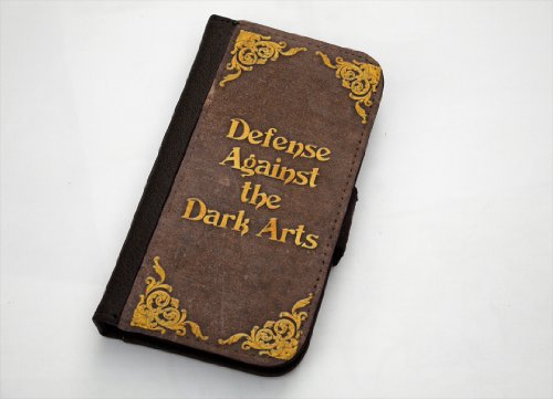 Harry Potter Defense Against the Dark Arts iPhone 5/5s Leather Wallet Case