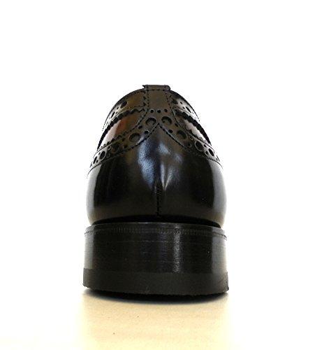 Stringata Churchs black + bourguignon