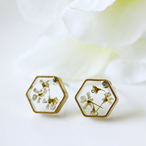 7bf8ed873 Amazon.com: Resin / earring / white / Dried Flowers, Cool Earring, Resin  Jewelry, Botanical Jewelry, Gift for Her, Pressed Flowers, Boho Jewelry:  Handmade