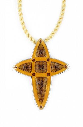 Millacreli Brown Cross Pendant Size 0