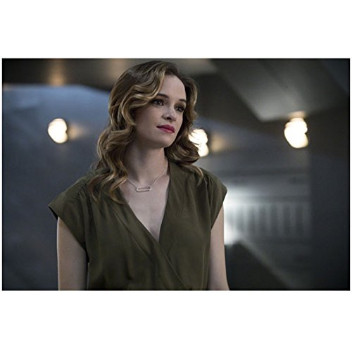 The Flash Danielle Panabaker As Caitlin Snow Looking Up 8 X 10 Inch Photo