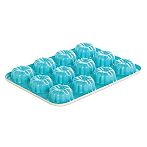 Amazon Com Nordic Ware 52822 12 Cavity Bundt Cupcake Pan