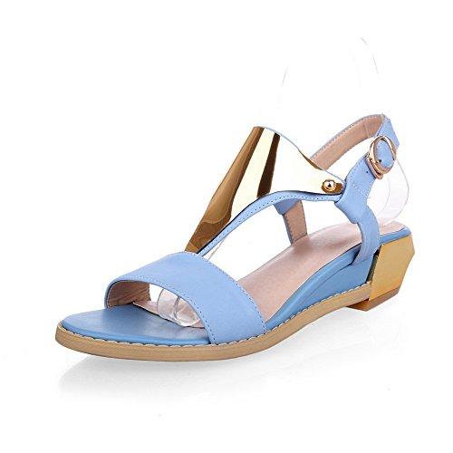 Amoonyfashion Dame Åpen Tå Kitten Hæler Patent Lær Fast Spenne Sandaler Blå