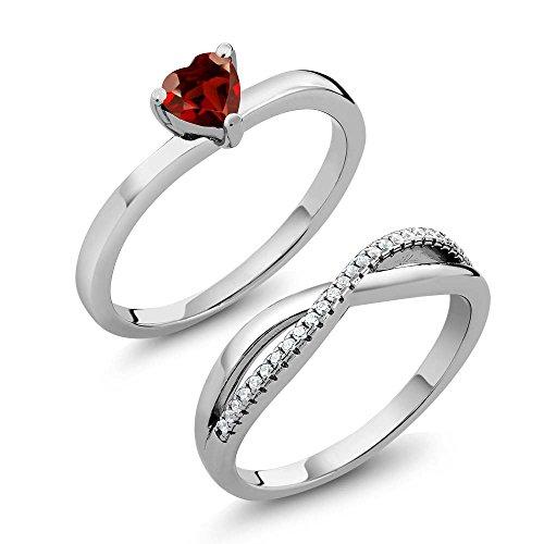 Gem Stone King 0.85 Ct Heart Shape Red Garnet Gemstone Birthstone 925 Sterling Silver Engagement Wedding Ring Set (Size 9) ()