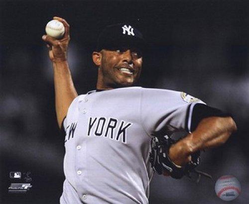 Mariano Rivera Spotlight Action MLB Baseball Photo Print (8 x ()