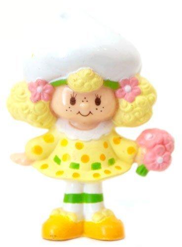 Strawberry Shortcake Mini Lemon Meringue with a Bouquet Kenner 1982 ()