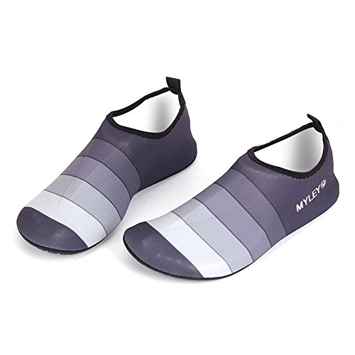 HYSENM Lightweight Soft Elastic Barefoot Water Shoes Wetsuit Aqua Socks For Women Men Children grey 5yB63