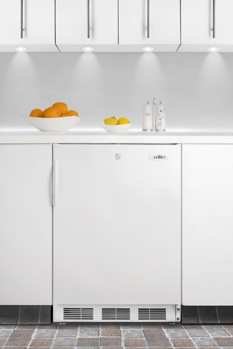 Summit CT66JBI Built-in Undercounter Refrigerator-freezer with Dual Evaporator and Cycle Defrost