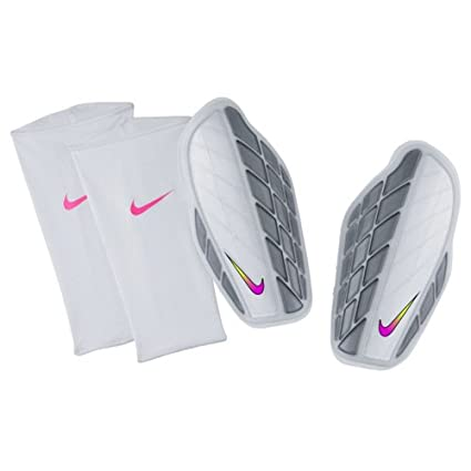 Nike Protegga Pro Attack Premium Fussball Schienbeinschoner