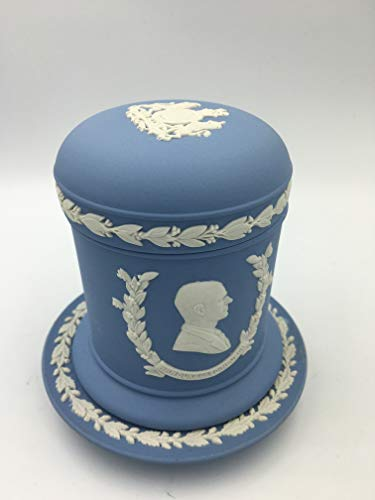 Wedgwood Blue Jasperware Queen Silver Jubilee Tobacco Pot and Lid with Ashtray