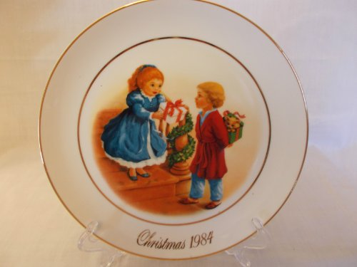 (AVON Christmas Memories 1984 Collector Plate 22k Celebrate the Joy of Giving)