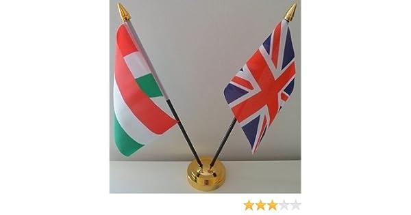 Hungría húngaro Unión Jack 2 bandera amistad banderas de la bandera de sobremesa mesa centro con oro base ideal para fiestas conferencias oficina pantalla: Amazon.es: Hogar