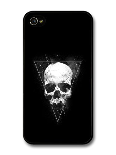 Skull in Hipster Triangle Artwork with Black Grunge Background case for iPhone 4 4S