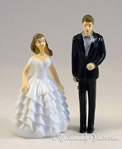 Easy To Customize Bridesmaid and Groomsmen Figurines 16 Piece Wedding Cake Decorative White Filigree Stair Set