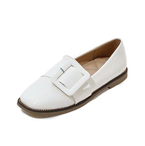 Allhqfashion Dames Lage Hakken Pull-on Lakleder Gesloten-teen Pumps-schoenen Wit