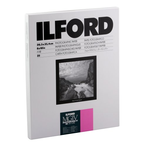 Ilford Multigrade IV RC Deluxe Resin Coated VC Variable Contrast - Black and White Enlarging Paper, 8x10 Inches, 25 Sheets, Glossy Surface (116 8190) (Ilford Pearl Photo Paper)