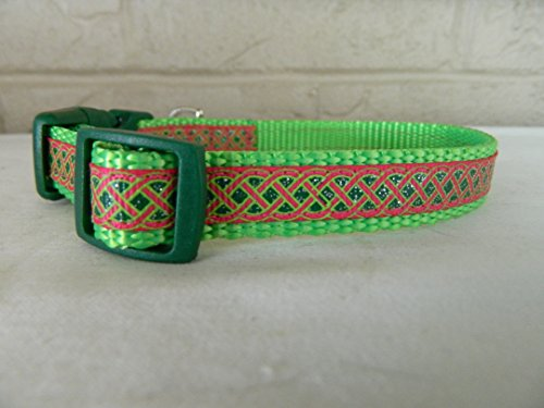 Schmoopsie Couture St Patrick's Day Hot Pink and Emerald Celtic Knot Dog Collar (Small 5/8