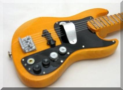 MARCUS MILLER Miniatura Guitarra JAZZ BASS 5-STRING: Amazon.es ...